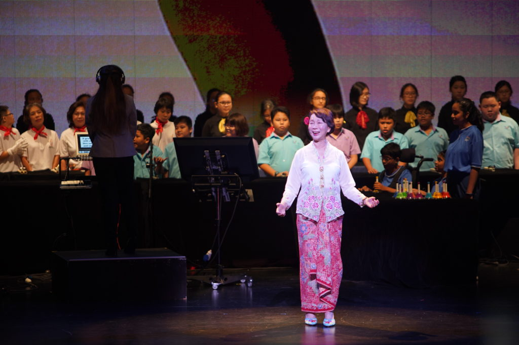 Ms Wee Wei Ling performing the opening act